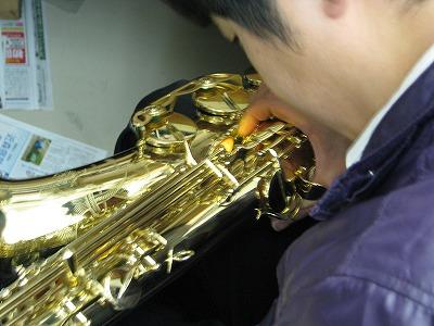 セルマーサックスの修理中(リペア,調整) 2009.5/7 2
